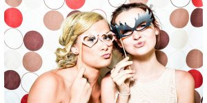 10-company-christmas-party-ideas-photo-booth