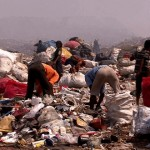 india-dharavi-ragpickers