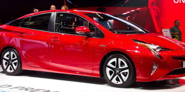 best-low-co2-cars-2107-toyota-prius