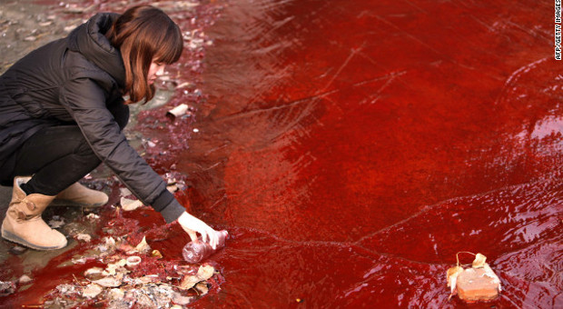 blood-red-river-in-china